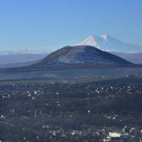 Вид на Эльбрус из Пятигорска :: Мария Климова