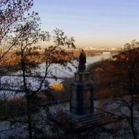 на Владимирской горке в Киеве :: Лара Амелина