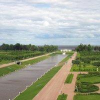 Вид из окна Голубого зала Константиновского дворца на нижний парк и Финский залив :: Елена Павлова (Смолова)