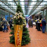 Рождество (серия). Рождественский базар в торговом центре :: Nina Yudicheva