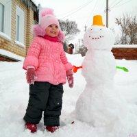Лепит с самого утра детвора снеговика! :: Андрей Заломленков