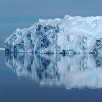 Отражение айсберга :: Александр Терентьев