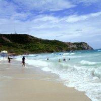 Солнечный пляж острова Ко Лан Таиланд,район Чонбури :: Iwan Medoff