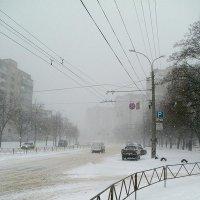 В город приходит снег :: Сергей Тарабара