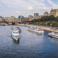 Москва. Вид от моста Богдана Хмельницкого. :: В и т а л и й .... Л а б з о'в