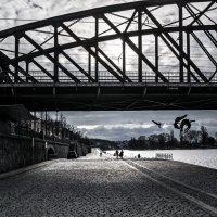 У моста :: Eugene *