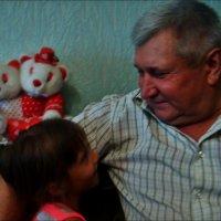 С любимой внучкой :: Нина Корешкова