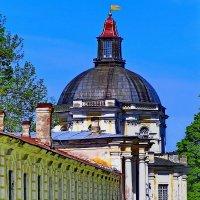 Большой Меншиковский дворец — первый и наиболее крупный архитектурный памятник Ломоносова. :: Владимир Ильич Батарин