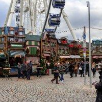 Рождестветская ярмарка в Дюссельдорфе :: Witalij Loewin