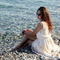 На берегу моря.. :: Виолетта