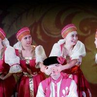 Угадай-ка,милый Ваня? Кто здесь: Оля или Таня? :: ANDREY SMIRNOV