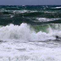 шторм на Средиземном море :: vasya-starik Старик