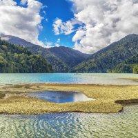 Озеро Рица :: Виктор Заморков