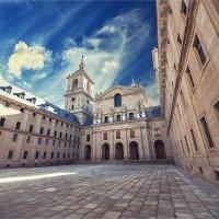 Эскориал - монастырь, дворец и резиденция короля Испании Филиппа II :: Ирина Лепнёва
