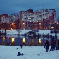 В спальном районе вечером :: Валентина Данилова