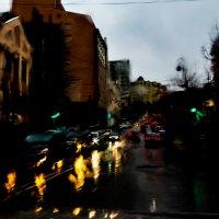 дождь в старом городе.Владивосток :: Олег Семенов