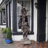 Деревянная скульптура медведей :: Natalia Harries