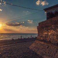 Вечер у моря :: Юрий Клишин