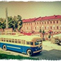 В автопарке прошлых лет... :: Андрей Головкин