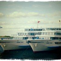 В нашу гавань заходили корабли... :: Андрей Головкин