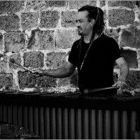 Уличный музыкант. :: Lmark