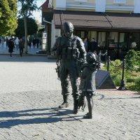 Памятник Вежливым людям :: Александр Рыжов