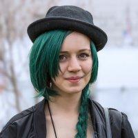 Девочка с зелёными волосами :: Nn semonov_nn