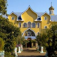 Церковь Святого Духа (храм Сошествия Святого Духа) — православная церковь в Адлере. :: Elena Izotova