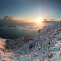 снег укрыл белым покрывалом Киммерию :: viton