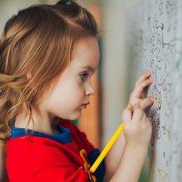 А вы в детстве мечтали рисовать на стенах?)))) :: Наталья Корнилова