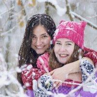 Дружба крепка и тепла, ей не страшны ни снег, ни холод :: Алеся Пушнякова