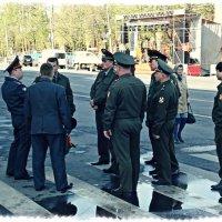 Планерка перед Парадом :: Андрей Головкин