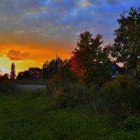 Красота осеннего вечера в Леппясюрье. :: Владимир Ильич Батарин