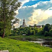 Торжок, река Тверца. :: Николай