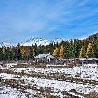 Сельская жизнь у подножия гор :: Анатолий Иргл