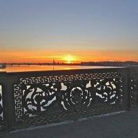 закат с Литейного моста :: Елена