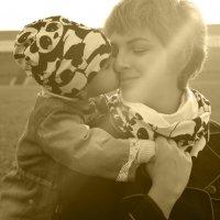 Мама с дочкой. :: Валентина