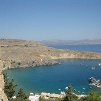 Греция. Линдос. Вид на бухту Святого Павла от стен Акрополя. :: Лариса (Phinikia) Двойникова