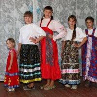В сельском клубе :: Валерий Чепкасов