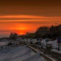 Закат на набережной у Амура. :: Виктор Иванович