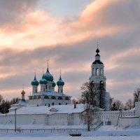 Рассвет над Толгским монастырем :: Николай Белавин