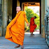 Монахи Ангкор Вата :: Tatiana Belyatskaya
