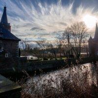 Замок Хунсбурк в контровом свете :: Witalij Loewin