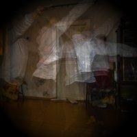 Танцы в ночи. :: Пётр Сухов