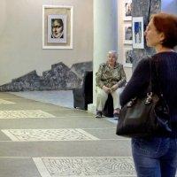 На выставке... :: Ольга Лиманская