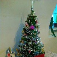 Праздничная елка за обеденным столом. :: Светлана Калмыкова