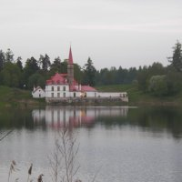 Отражается в озере белый дворец... :: Регина Пупач