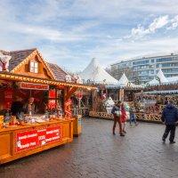 Винтерланд на Рождество в Хассельте, Бельгия :: Witalij Loewin