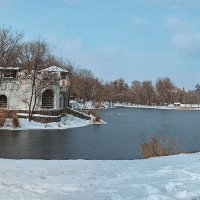 Замок на пруду. :: Елена Данько