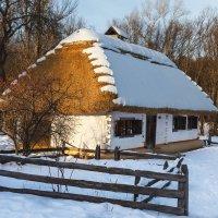 Белым снегом хата крыта. :: Андрей Нибылица